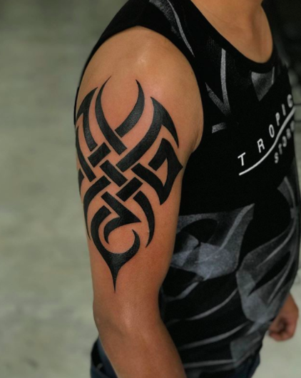simple tribal shoulder tattoo men
