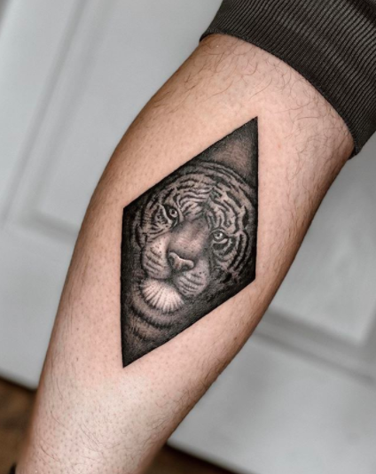 diamond tiger tattoo