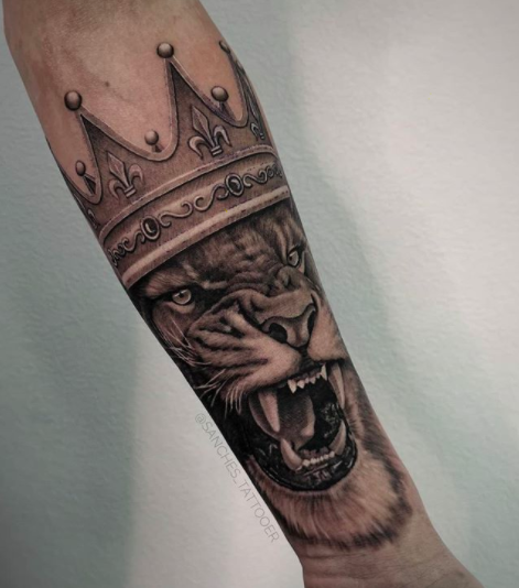 judah's lion with a crown tattoo