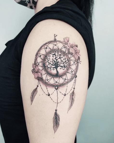 Dreamcatcher tattoo by @gravedenoir
