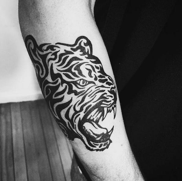 Angry tribal tiger by @cecita_videla