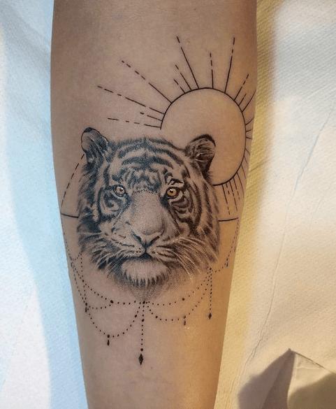 Feminine tiger tattoo design by @giadapre_tattoo