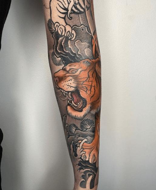 Irezumi tiger sleeve tattoo by @bjartefrabergen