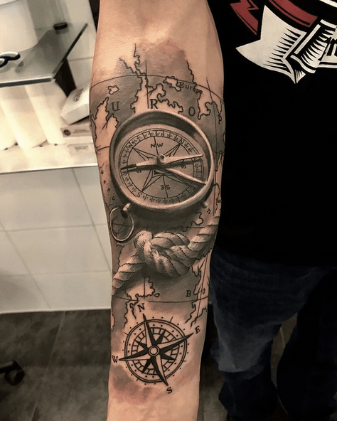 Compass innerforearm tattoo by @evatattoostudio