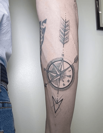 Dotwork arrow and compass tattoo by @claudia___mars