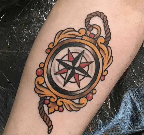 Small old school compass tattoo by @alicetattoos
