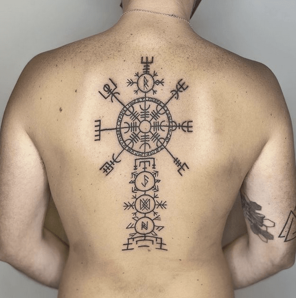 Viking compass tattoo on the back by @natasharacheltattoos