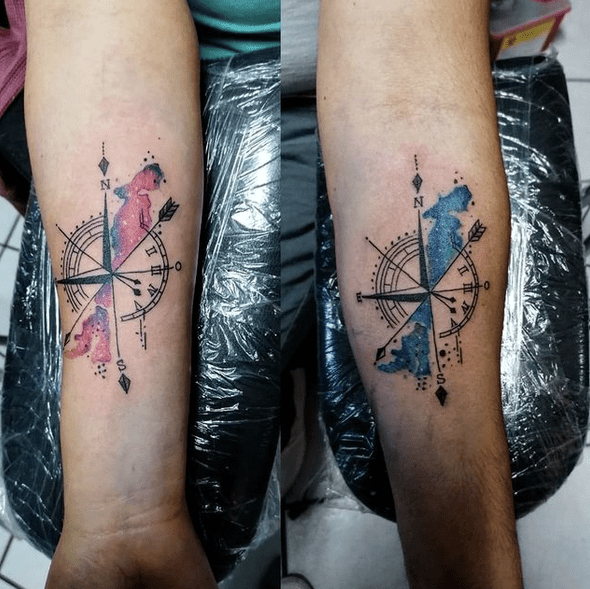 Watercolor compass tattoo for couples by @naiicaramelo