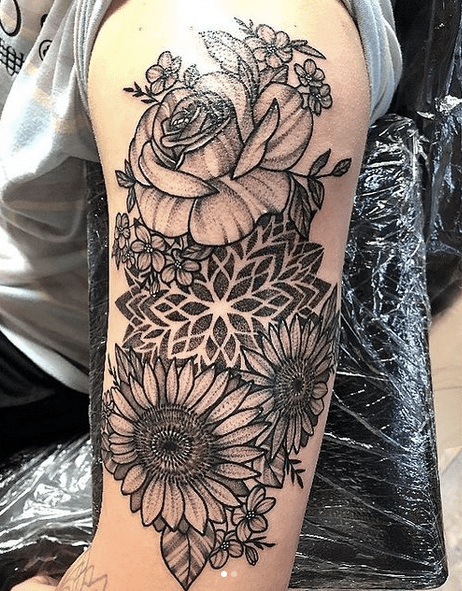 Big shoulder sunflower mandala tattoo with roses by @mia_tattoo_art