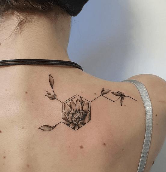 Small realistic sunflower tattoo by @lorenzovascellitattoo