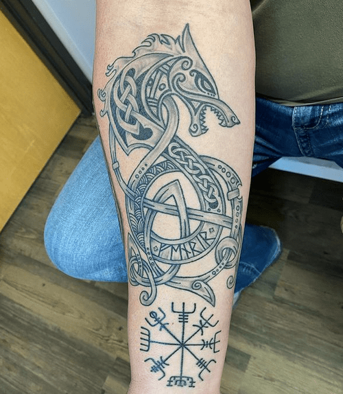 Forearm Celtic wolf tattoo by @stephaniemonttattoo
