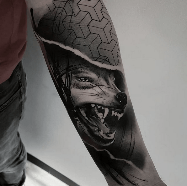 Hiperrealistic geometric wolf tattoo sleeve by @pagor_tattoo