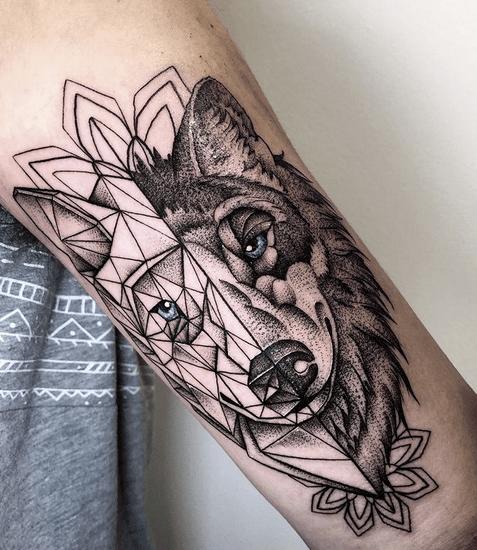 Pattern wolf head tattoo by @willgraotattoo
