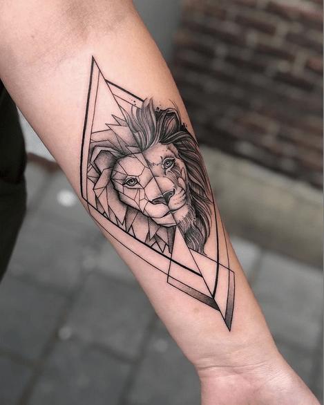 Geometric lion tattoo by @veerle_london