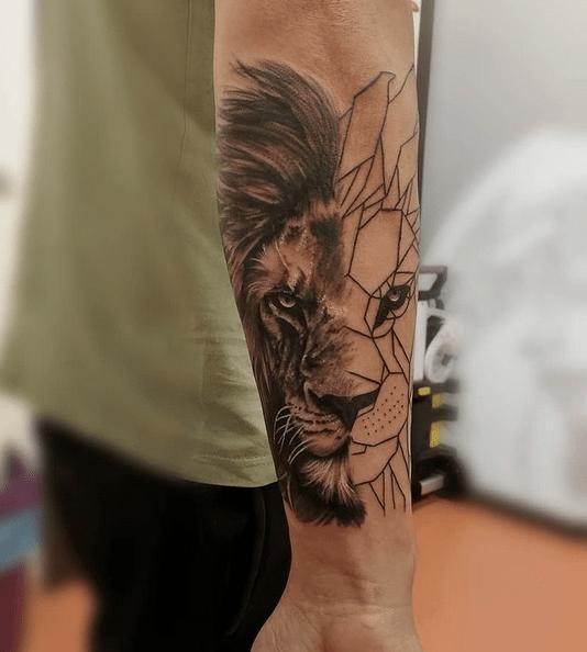 Half realistic half geometric lion tattoo by @giuly_tattoo