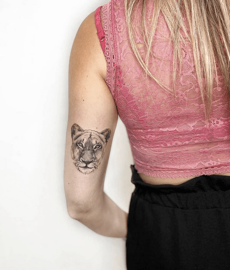 Small female lion tattoo by @alepiga_tattoo