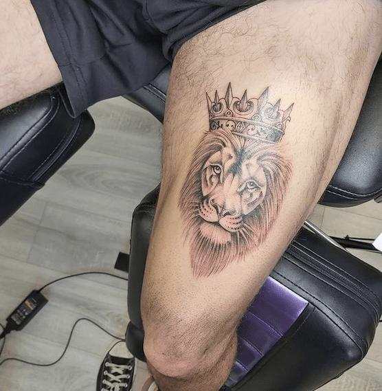 Small lion of Judah tattoo by @jonas.tattoo