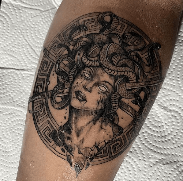 Dark Versace medusa tattoo by @xarlygiron_