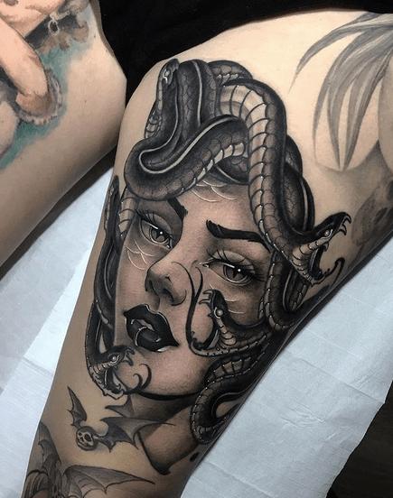 Thigh medusa tattoo by @rudtattooer